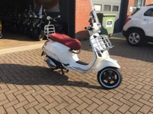 Scooter-kopen-Lisse-300x225